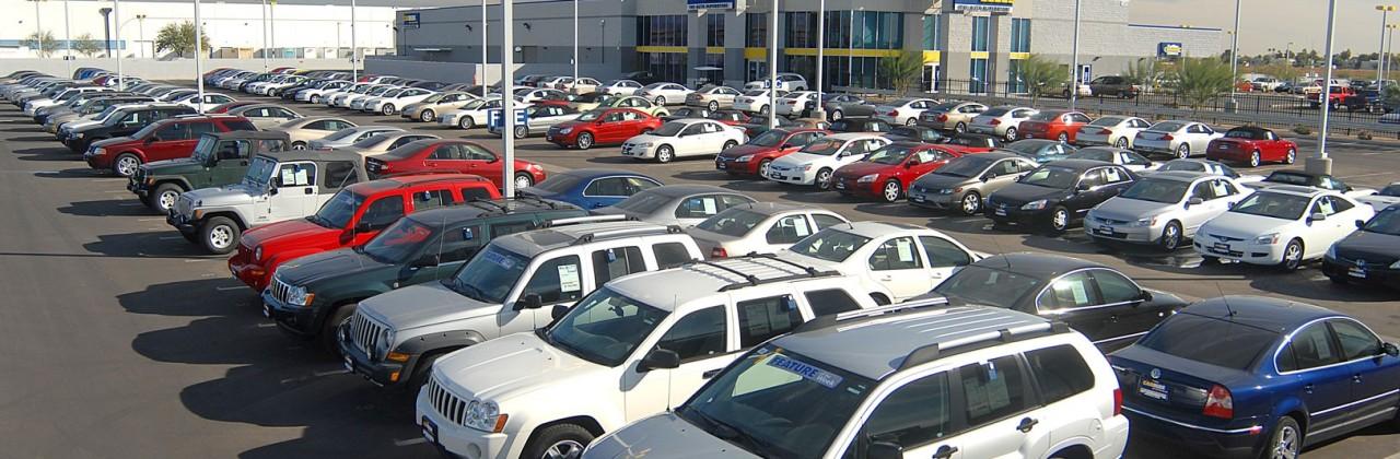 Президент подписал закон о покупке подержанных авто